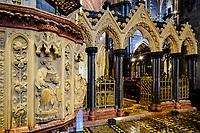 Irlande, Dublin, St Michaels Hill, interieur de la cathédrale Christ Church ou cathédrale de la Sainte-Trinité, cathédrale anglicane irlandaise, la chaire et ses sculptures // Republic of Ireland; Dublin, interior of Christ Church Cathedral, the Choir