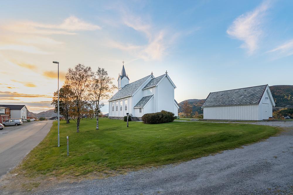 Osen kyrkje er en trekirke fra 1877 i Steinsdalen, Osen kommune i Trøndelag.