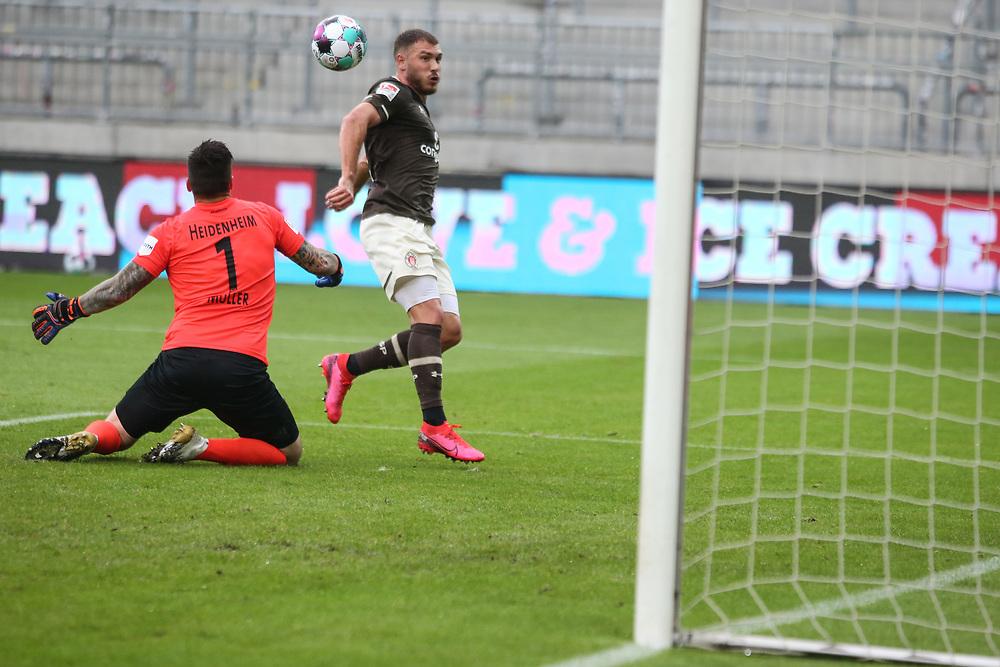 Fussball: 2. Bundesliga, FC St. Pauli - 1. FC Heidenheim, Hamburg, 27.09.2020<br /> Maximilian Dittgen (Pauli) erzielt das 4:0<br /> © Torsten Helmke