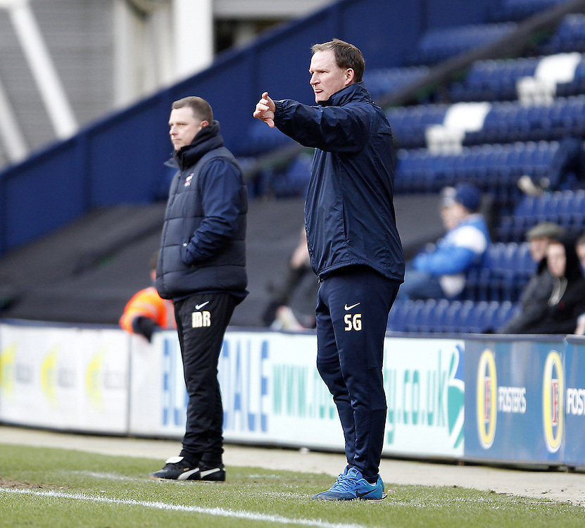Preston North End's Manager Simon Grayson with Scunthorpe Utd's Manager Mark Robbins<br /> <br /> Photographer Mick Walker/CameraSport<br /> <br /> Football - The Football League Sky Bet League One - Preston North End v Scunthorpe United - Saturday 21st February 2015 - Deepdale - Preston<br /> <br /> © CameraSport - 43 Linden Ave. Countesthorpe. Leicester. England. LE8 5PG - Tel: +44 (0) 116 277 4147 - admin@camerasport.com - www.camerasport.com