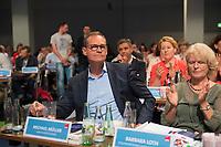DEU, Deutschland, Germany, Berlin, 02.06.2018: Landesparteitag der Berliner SPD im Hotel Andels. Michael Müller, SPD-Landesvorsitzender und Regierender Bürgermeister von Berlin, nach seiner Wahl zum Landesvorsitzenden. Rechts Barbara Loth.