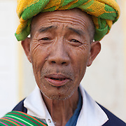 Pa Oo tribal man with colourful head dress