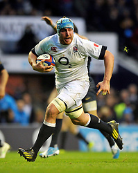 Ben Morgan (England) runs in a try - Photo mandatory by-line: Patrick Khachfe/JMP - Tel: Mobile: 07966 386802 09/11/2013 - SPORT - RUGBY UNION -  Twickenham Stadium, London - England v Argentina - QBE Autumn Internationals.