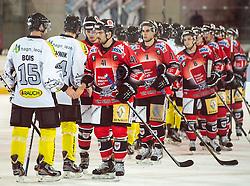 10-10-2011 ALGEMEEN: HANDEN IN DE SPORT: AL OVER THE WORLD<br /> Handshaking, handen, signs, handje klap, begroeting, handshaking, yell, bal, vreugde, hands, celebrate, sport, sports, volleybal, ijshockey, item<br /> ©2012-FotoHoogendoorn.nl