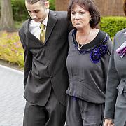 NLD/Bilthoven/20120618 - Uitvaart Will Hoebee, Jose Hoebee en zoon Tim