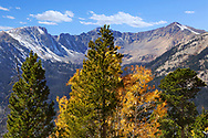 Autumn in the high peaks of Rocky Mountain National Park, Colorado, USA