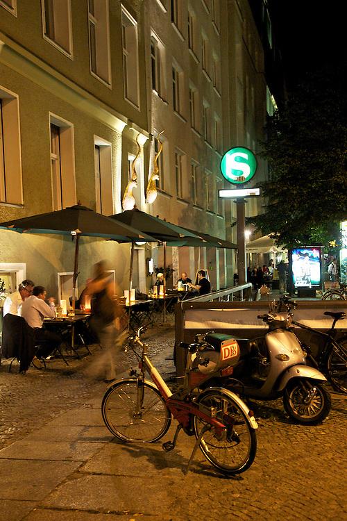 09/Septiembre/2009 Alemania. Berlín.Terraza en el barrio de Mitte..©JOAN COSTA....