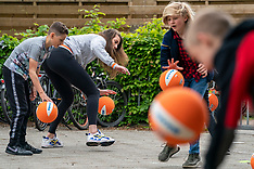 20200512 NED: Start SchoolVolley + project with Robin de Kruijf and Joop Alberda, Hoogland
