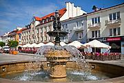 Fontanna na na Rynku Kościuszki w Białymstoku, Polska<br /> Fountain at Kościuszko Square in Białystok, Poland