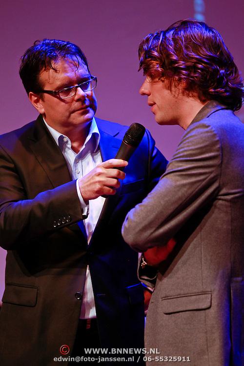 """NLD/Amsterdam/20110623 - Boekpresentatie wielrenner Thomas Dekker """" Schoon Genoeg"""", geinterviewd door Danny Nelissen"""