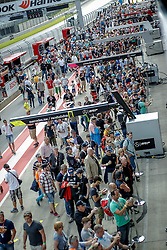 21.05.2016, Red Bull Ring, Spielberg, AUT, DTM, Red Bull Ring Spielberg, Pitwalk im Bild Zuseher in der Boxengasse // Spectators during the pitwalk of the DTM at the Red Bull Ring, Spielberg, Austria on 2016/05/21, EXPA Pictures © 2016, PhotoCredit: EXPA/ Erwin Scheriau