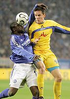 Fotball<br /> Foto: imago/Digitalsport<br /> NORWAY ONLY<br /> <br /> 06.04.2006  <br /> <br /> Gerald Asamoah (Schalke, li.) gegen Igor Tomasic (Levski Sofia)<br /> <br /> FC Schalke 04 - PFK Levski Sofia 1:1<br /> UEFA Cup 2005/2006