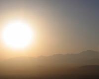 Sol over fjellene, sun over the mountains, dis, fog
