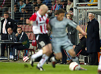 Fotball<br /> Photo: Scott Heavey, Digitalsport<br /> PSV Eindhoven v Newcastle United. UEFA Cup Quater Final, First Leg. 08/04/2004.<br /> Gus Hiddink (L) and Bobby Robson watch the action<br /> <br /> NORWAY ONLY