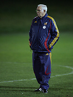 Photo: Paul Thomas.<br />Spain training session. 05/02/2007.<br /><br />Luis Aragones, Spanish manager.