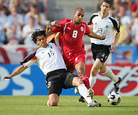 Fotball, 18. juni 2005, Confederations Cup Tunisia - Tyskland, <br /> v.l. Michael Ballack GER, Mehdi Nafti<br /> Norway only