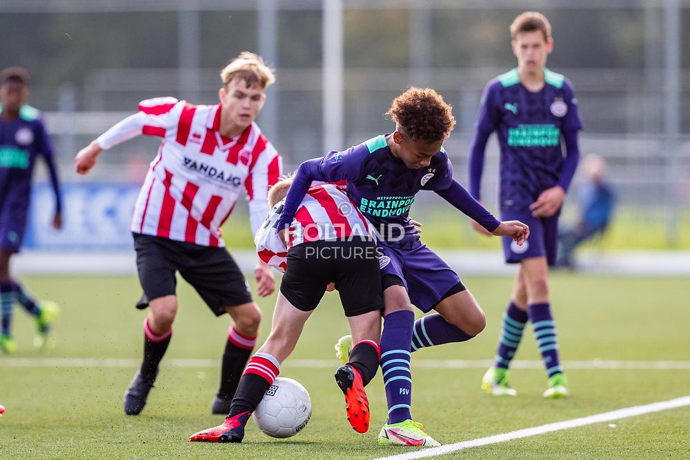 ALPHEN AAN DEN RIJN, NETHERLANDS - OCTOBER 2: (L-R) #2 Daan Spaans (Alphense Boys), #11 Gino Verhulst (PSV) during the Divisie 1 A NAJAAR u15 match between Alphense Boys and PSV at Sportpark De Bijlen on October 2, 2021 in Alphen aan den Rijn, Netherlands