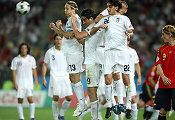 Team Italy in block during the UEFA EURO 2008 Quarter-Final soccer match between Spain and Italy at Ernst-Happel Stadium, on June 22,2008, in Wien, Austria.  (Photo by Vid Ponikvar / Sportal Images)