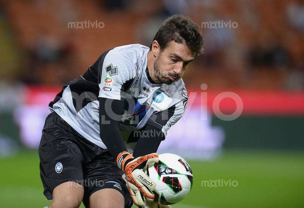 FUSSBALL INTERNATIONAL   SERIE A   SAISON 2012/2013    AC Mailand - Atalanta  15.09.2012 Torwart Andrea Consigli (Atalanta)