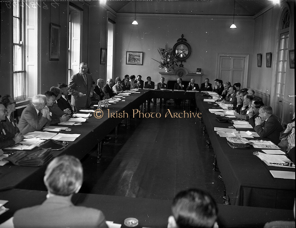 20/05/1959<br /> 05/20/1959<br /> 20 May 1959<br /> F.A.O. (Food and Agriculture Organisation) Co-Operative Research Project on Trace Elements meeting at the RDS, Ballsbridge, Dublin.