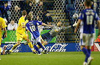 Photo: Steve Bond/Richard Lane Photography. Leicester City v Sheffield Wednesday. Coca Cola Championship. 12/12/2009. Andy King (10) sees his shot go past the outstretched arm of keeper Lee Grant