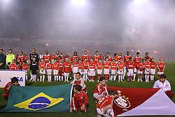 Equipe colorada momentos antes da final da Recopa Sul-Americana, no estádio Beira Rio, em Porto Alegre 07 de junho de 2007 FOTO: Jefferson Bernardes/Preview.com