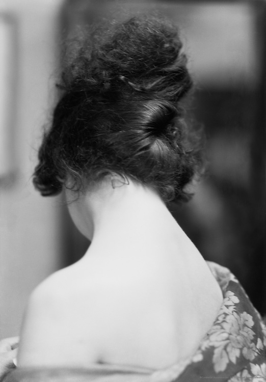 Pepita Bobadilla, the neck of actress, 1919