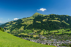 THEMENBILD - Der Oberhausberg mit dem Bergpanorama des Kitzbüheler Horn, aufgenommen am 26. Juni 2017, Kitzbühel, Österreich // The Oberhausberg with the mountain panorama of the Kitzbüheler Horn at the Streif, Kitzbühel, Austria on 2017/06/26. EXPA Pictures © 2017, PhotoCredit: EXPA/ Stefan Adelsberger
