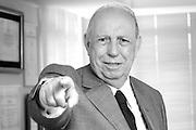Belo Horizonte _ MG, 21 Dezembro de 2007..FOLHA DE SAO PAULO - ENTREVISTA ESPECIAL..Retrato do vice presidente da republica Jose de Alencar, em Belo Horizonte,  na sede da empresa Coteminas...FOTO: BRUNO MAGALHAES / AGENCIA NITRO