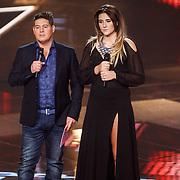 NLD/Hilversum/20160122 - 6de live uitzending The Voice of Holland 2016, Martijn Krabbe en Melissa Janssen