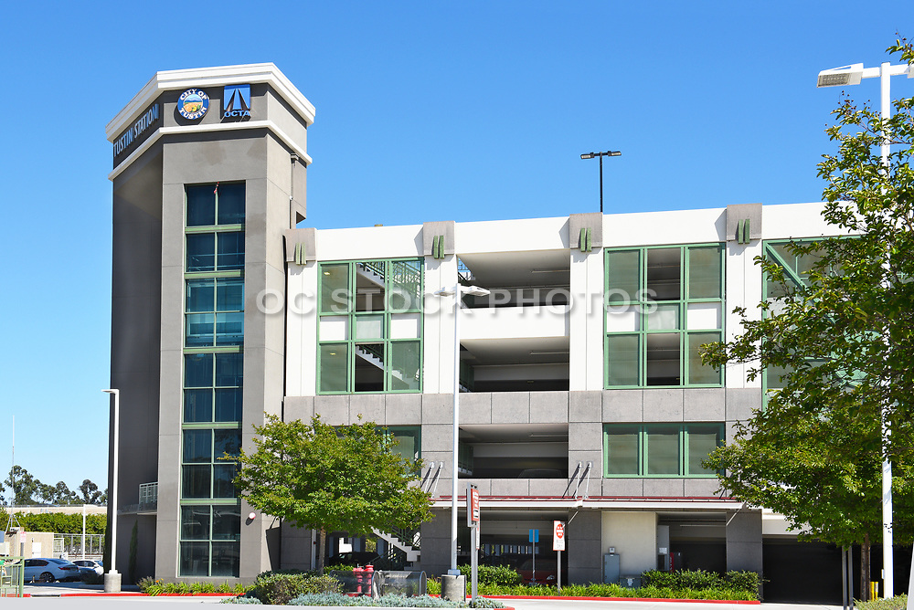 Tustin Metrolink Station Parking Structure