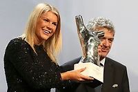 BILDET INNGÅR IKKE I FASTAVTALER. ALL NEDLASTING BLIR FAKTURERT FULL PRIS.<br /> <br /> Fotball<br /> Foto: PhotoNews/Digitalsport<br /> NORWAY ONLY<br /> <br /> Olympique Lyon's Ada Hegerberg of Norway receives from UEFA President Angel Maria Villar the Best Player UEFA 2015/16 Award during the draw ceremony for the 2016/2017 Champions League Cup soccer competition at Monaco's Grimaldi in Monaco, August 25, 2016.