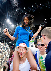 Fans of Mylo on the main stage. Rockness, Saturday 7th June 2008..Pic © Michael Schofield. All Rights Reserved.