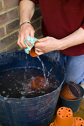 Washing and disinfecting plastic pots