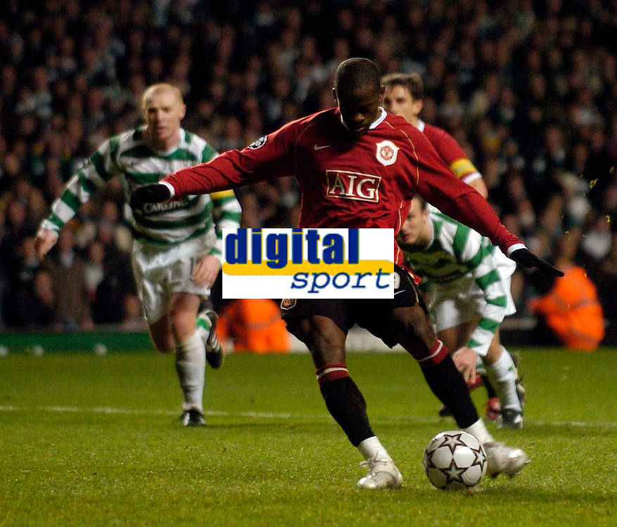 Photo: Jed Wee.<br /> Glasgow Celtic v Manchester United. UEFA Champions League, Group F. 21/11/2006.<br /> <br /> Manchester United's Louis Saha takes a spot kick to level the game, only to be denied by Celtic goalkeeper Artur Boruc.