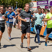 NLD/Amsterdam/20180701 - Evers staat op Run 2018, finish Giel Beelen en Edwin Evers