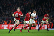 Gareth Anscombe of Wales makes a break in the 2nd half. England v Wales, NatWest 6 nations 2018 championship match at Twickenham Stadium in Middlesex, England on Saturday 10th February 2018.<br /> pic by Andrew Orchard, Andrew Orchard sports photography