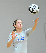 Lakewood at Midview JV volleyball on September 9, 2012 at Midview High School. Images © David Richard and may not be copied or posted without permission.