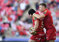 Scarlets Tom Prydie congratulates Leigh Halfpenny<br /> <br /> Photographer Mike Jones/Replay Images<br /> <br /> Guinness PRO14 Round 22 - Scarlets v Cheetahs - Saturday 5th May 2018 - Parc Y Scarlets - Llanelli<br /> <br /> World Copyright © Replay Images . All rights reserved. info@replayimages.co.uk - http://replayimages.co.uk