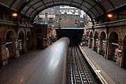 Circle line. Paddington underground station, Londen.