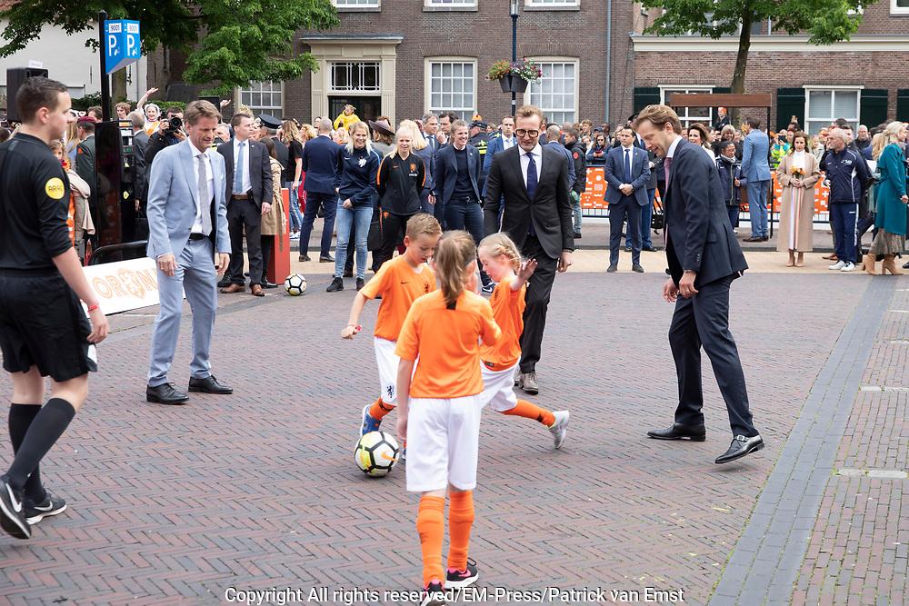 Koningsdag 2019 in Amersfoort / Kingsday 2019 in Amersfoort.<br /> <br /> Op de foto: Prins Floris en prins Bernhard