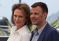 François Ozon and Jacqueline Bisset at the L'amant Double film photo call at the 70th Cannes Film Festival Friday 26th May 2017, Cannes, France. Photo credit: Doreen Kennedy