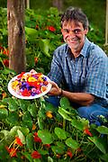 Itabirito_MG, Brasil...Produtor de flores de comestiveis, suas flores sao vendidas em restaurantes e supermercados de Belo Horizonte...The edible flowers, this flowers are seller in the restaurants and the supermarkets in Belo Horizonte...Foto: LEO DRUMOND / NITRO
