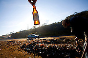 Congonhas_MG, Brasil.<br /> <br /> Lixo proximo a rodovia em Congonhas, Minas Gerais.<br /> <br /> Some garbage next to highway in Congonhas, Minas Gerais.<br /> <br /> Foto: LEO DRUMOND / NITRO