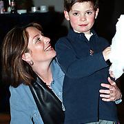 Premiere Sesamstraat Live Den Haag, Judith de Klijn met zoon Daan