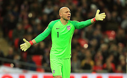 USA goalkeeper Brad Guzan instructs his team-mates during the International Friendly at Wembley Stadium, London. PRESS ASSOCIATION Photo. Picture date: Thursday November 15, 2018. See PA story SOCCER England. Photo credit should read: Mike Egerton/PA Wire. RESTRICTIONS: Use subject to FA restrictions. Editorial use only. Commercial use only with prior written consent of the FA. No editing except cropping.
