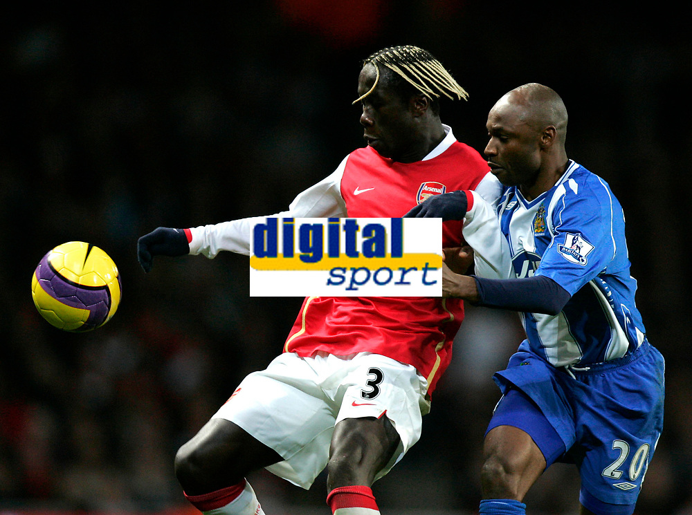 Photo: Tom Dulat/Sportsbeat Images.<br /> <br /> Arsenal v Wigan Athletic. The FA Barclays Premiership. 24/11/2007.<br /> <br /> Salomon Olembe of Wigan Athletic and Bacary Diarra of Arsenal with the ball.