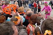 Koninginnedag 2008 / Queensday 2008. <br /> <br /> Koningin Beatrix viert Koninginnedag dit jaar in Friesland. De vorstin en haar familie bezochten op 30 april Makkum en Franeker.<br /> <br /> Queen Beatrix celebrates Queensday this year in Friesland (the Nothren provice in Holland). The Queen and its family visited Makkum and Franeker on 30 April.<br /> <br /> Op de foto/ On the Photo:<br /> <br /> Princes Maxima