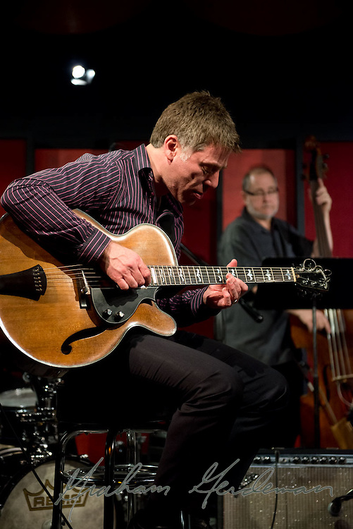 Guitarist Peter Bernstein rehearses with the Lori Mechem Trio before their sold out show at the Nashville Jazz Workshop.