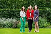 Zomerfotosessie 2021 bij Paleis Huis ten Bosch in Den Haag<br /> <br /> Summer photo session 2021 at Palace Huis ten Bosch in The Hague<br /> <br /> Op de foto / On the photo:  Prinses Amalia, prinses Ariane en prinses Alexia <br /> <br /> Princess Amalia, Princess Ariane and Princess Alexia